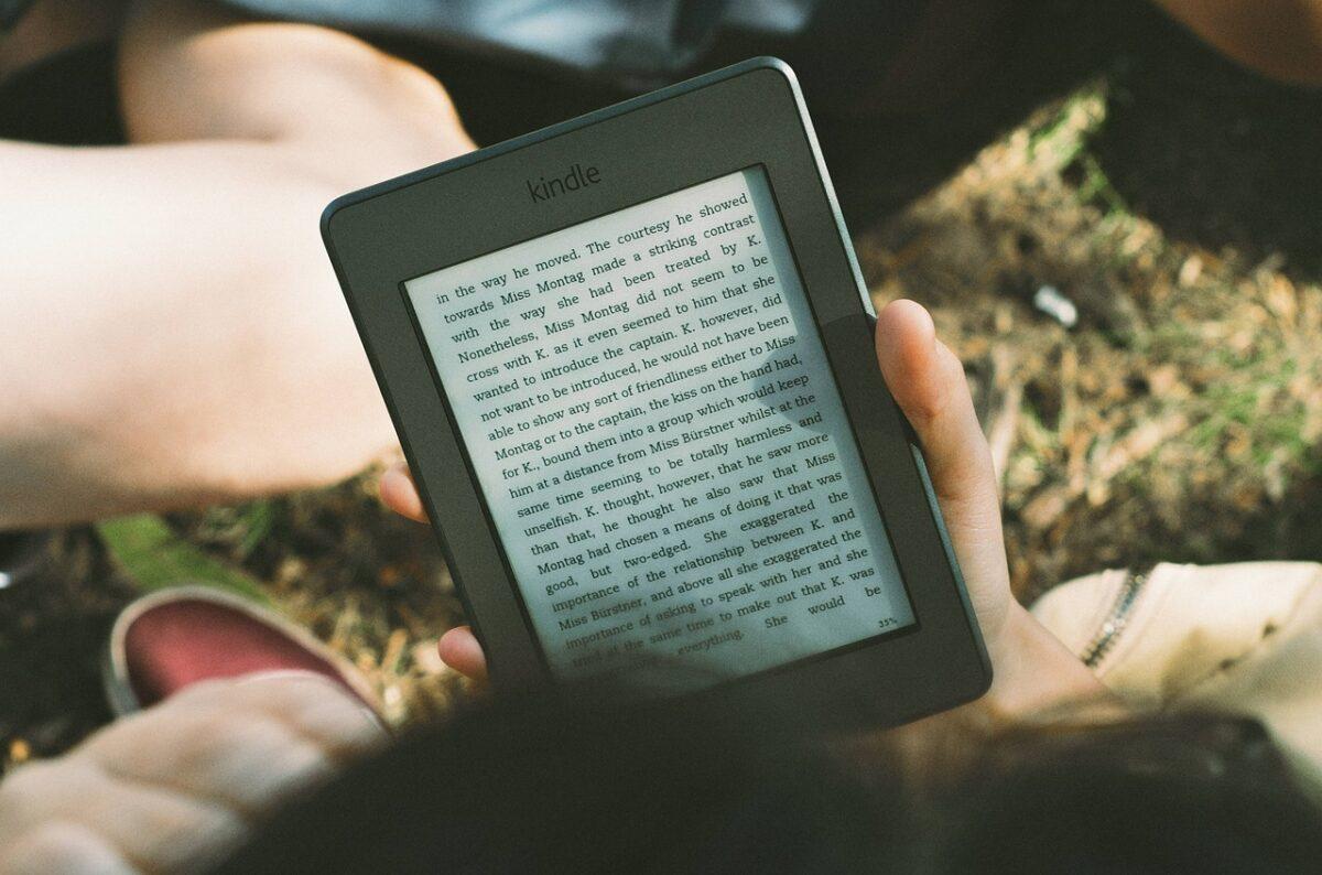 僕が英語学習におすすめの洋書をKindleで読むことを勧める理由!【洋書を多読して英語脳を鍛える!】