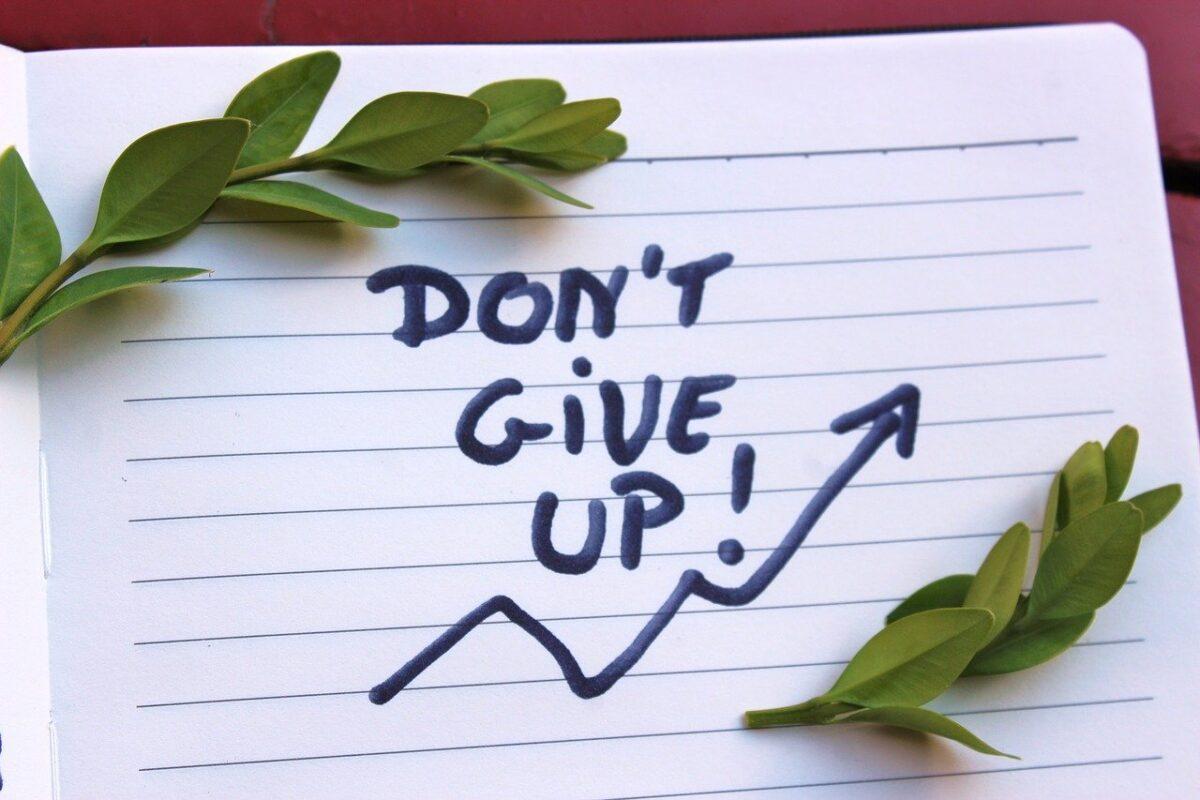 【挫折しないために!】プログラミングを学習するためには目的意識が重要!途中で挫折する人の特徴とは?