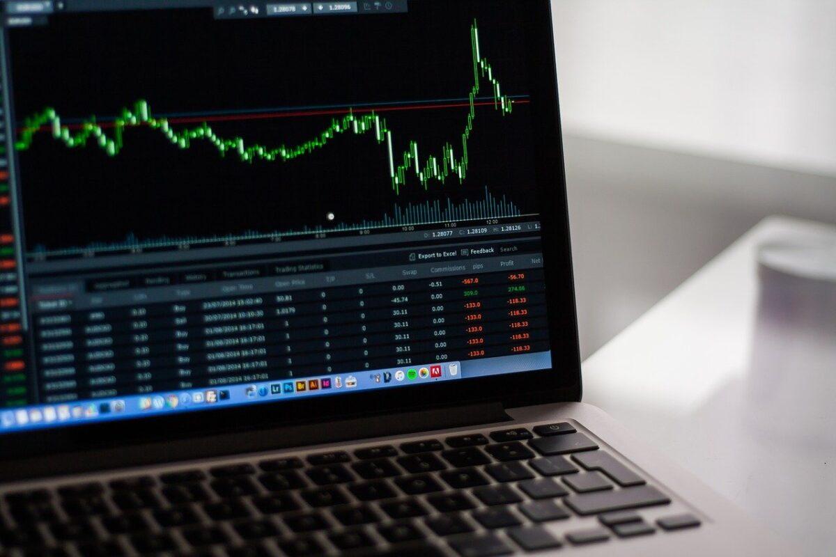 【Pythonコード解説】yahoo_finance_api2で日本株の株価データを取得する