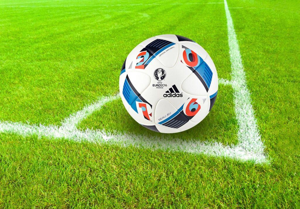 【PythonでFIFAデータ分析②】FIFAのデータから最強チームを導き出す!